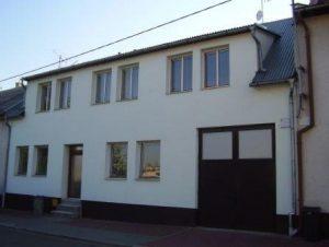dům-z-ulice-300x226